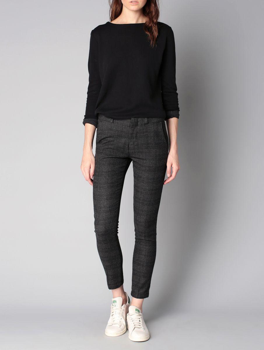 look femme bcbg hiver guide boutiques de mode guide shopping mode. Black Bedroom Furniture Sets. Home Design Ideas
