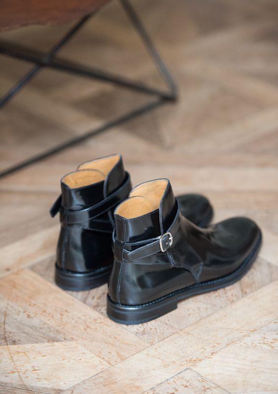 boots church 39 s pour homme merthyr noires ou bordeaux guide boutiques de mode guide shopping. Black Bedroom Furniture Sets. Home Design Ideas