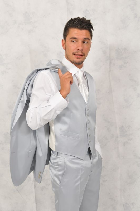 Costume c r monie 3 pieces karl lagerfeld gris clair promotion guide boutiques de mode guide - Costume homme gris clair ...