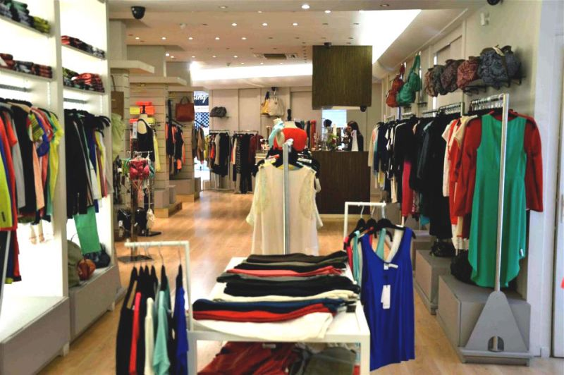 0b8220d8b0b129 Boutique de mode femme & enfant Marseille Saint Barnabé Sacha ...