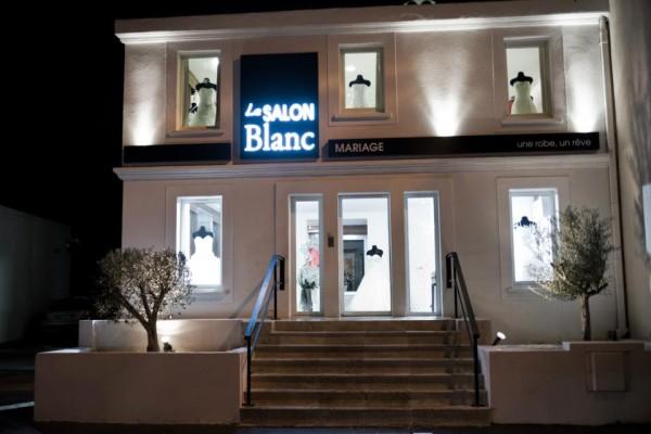 Salon Blanc La Valentine : Concept boutique pour le mariage par des créateurs à